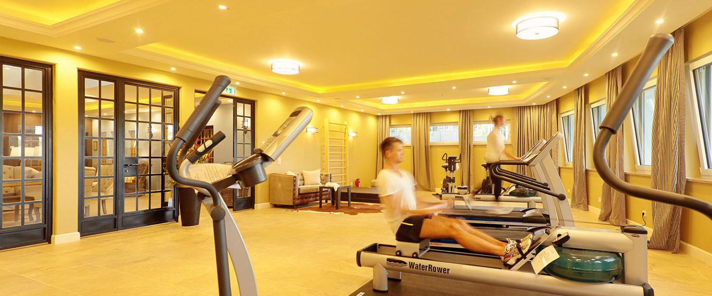 Fitnesscenter mit Seeblick